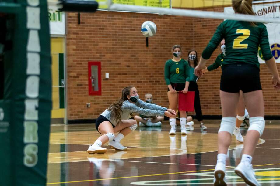Slow start: Dow volleyball swept by Davison in season opener