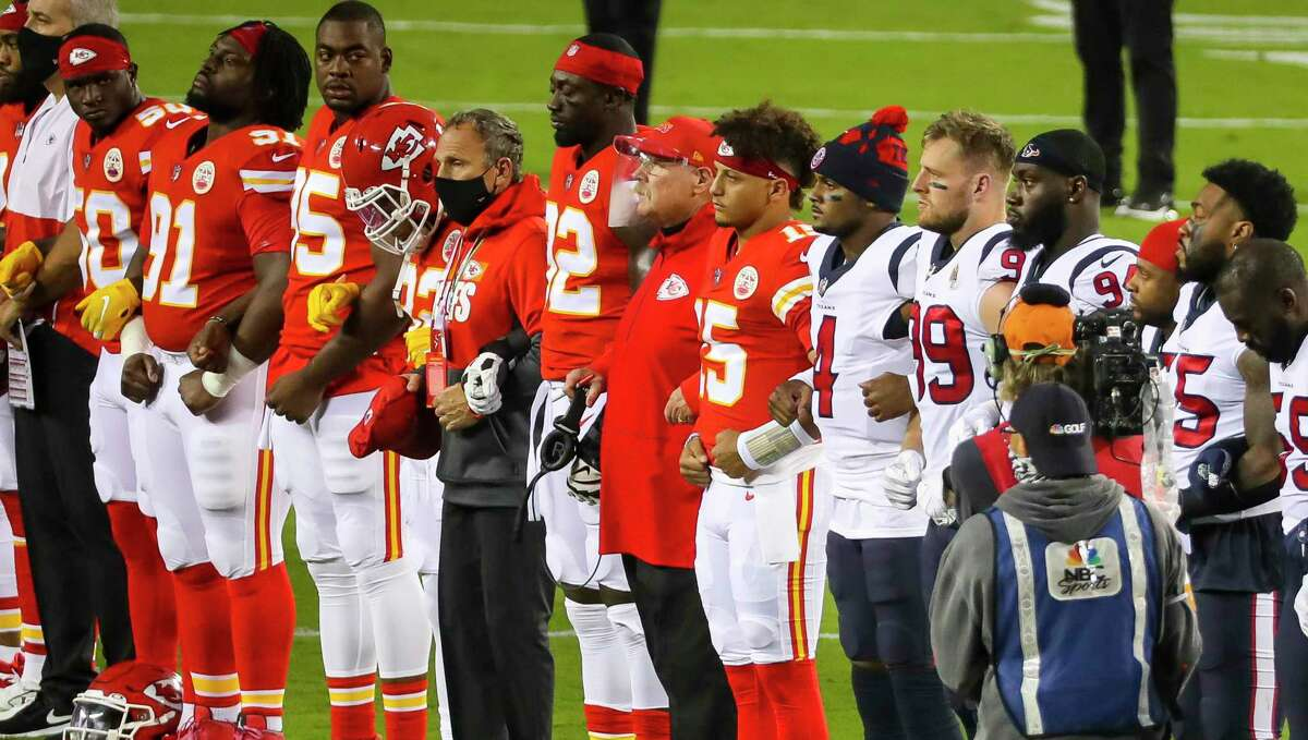 PHOTOS: More of the Texans-Chiefs pregame ceremony The Texans and Chiefs were booed by a portion of fans at Arrowhead Stadium during this moment of unity before Thursday night's NFL season opener.