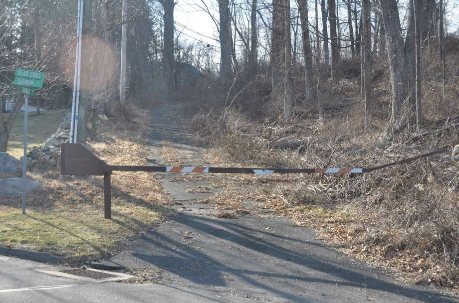 A portion of Turner Road that has long been blocked off an unused is an issue of contention concerning a proposed nine-unit affordable housing project in Ridgebury. Photo: Macklin Reid