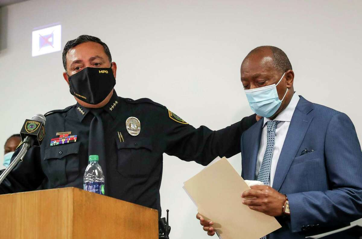 Houston Police Chief Art Acevedo, left, and Houston Mayor Sylvester Turner, Thursday, Sept. 10 2020, at HPD headquarters in Houston. (Jon Shapley/Houston Chronicle via AP)