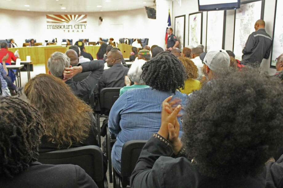 Residents crowd the room during a special meeting of the Missouri City City Council on Tuesday, Feb. 24. Photo: Kristi Nix / Staff Photo