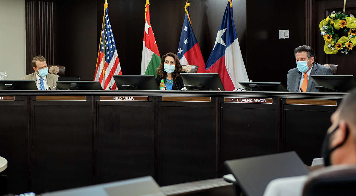 Laredo City Council members discuss expanding options for citizen's commenting during council meetings, Tuesday, Sep. 8, 2020, at City Hall.