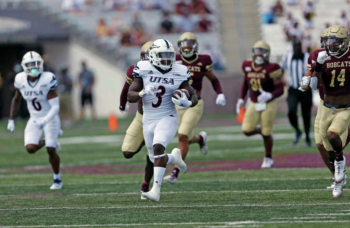 UTSA running back Sincere McCormick breaks lose for a sizable gain in first half. UTSA at Texas State on Saturday, September 12, 2020. UTSA defeated Texas State 51-48 in double OT.