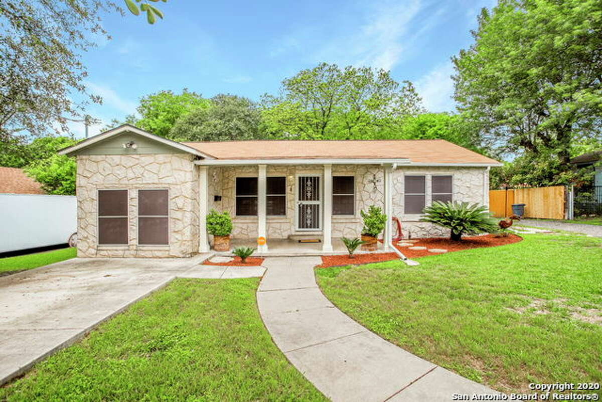 The median price for a house in Balcones Heights is $177,000.