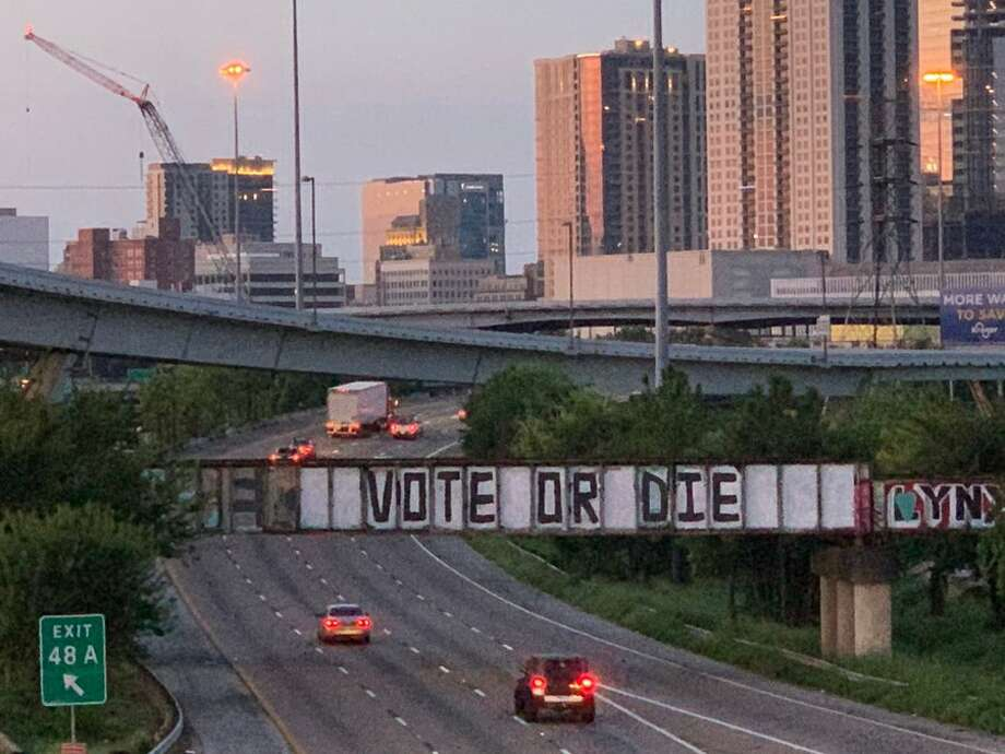 """The """"Be Someone"""" sign has been changed yet again to """"Vote or Die."""" Photo: Via Penny Morales/Twitter"""