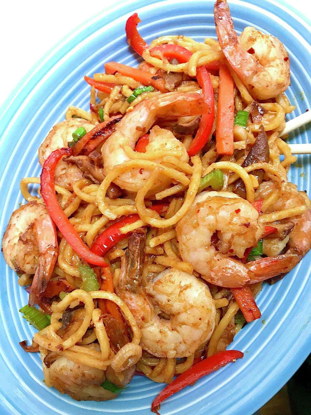 Stir fried noodles with shrimp.