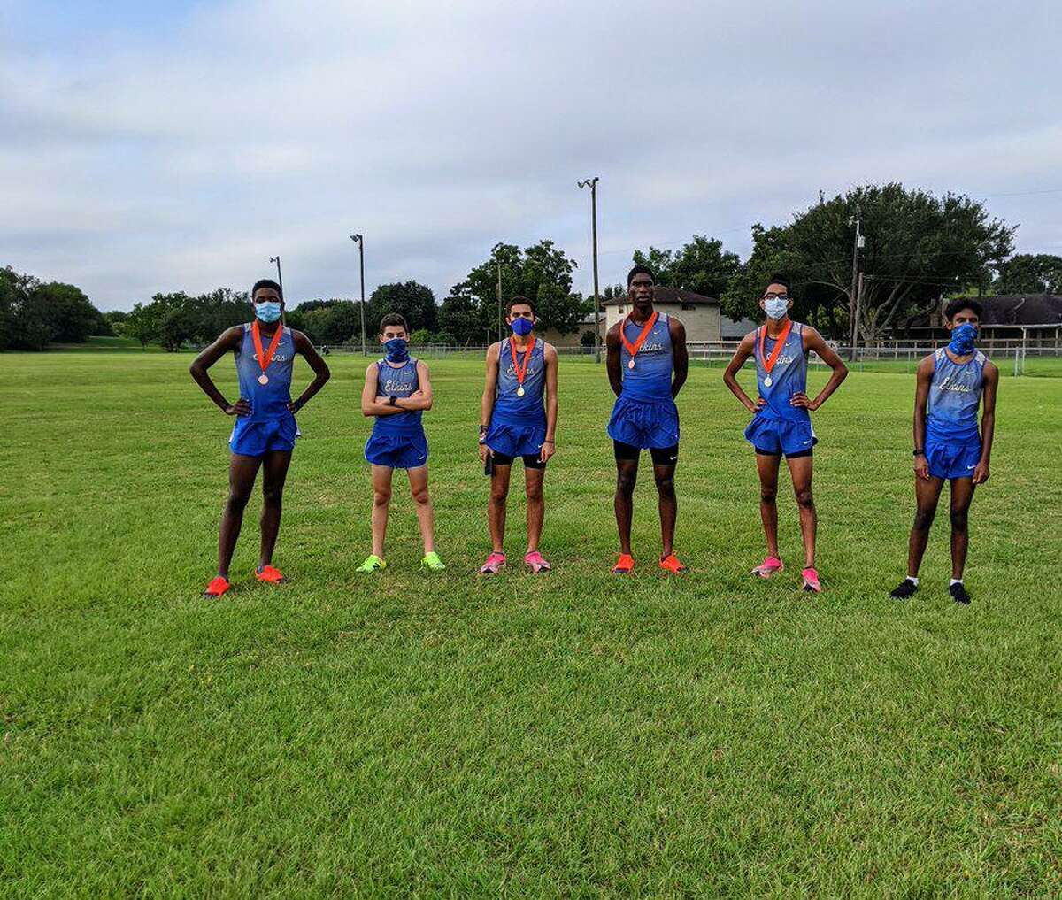 The Elkins boys cross country team won their division at the La Porte Bulldog Invitational, scoring only 23 points to lead a six-team race.