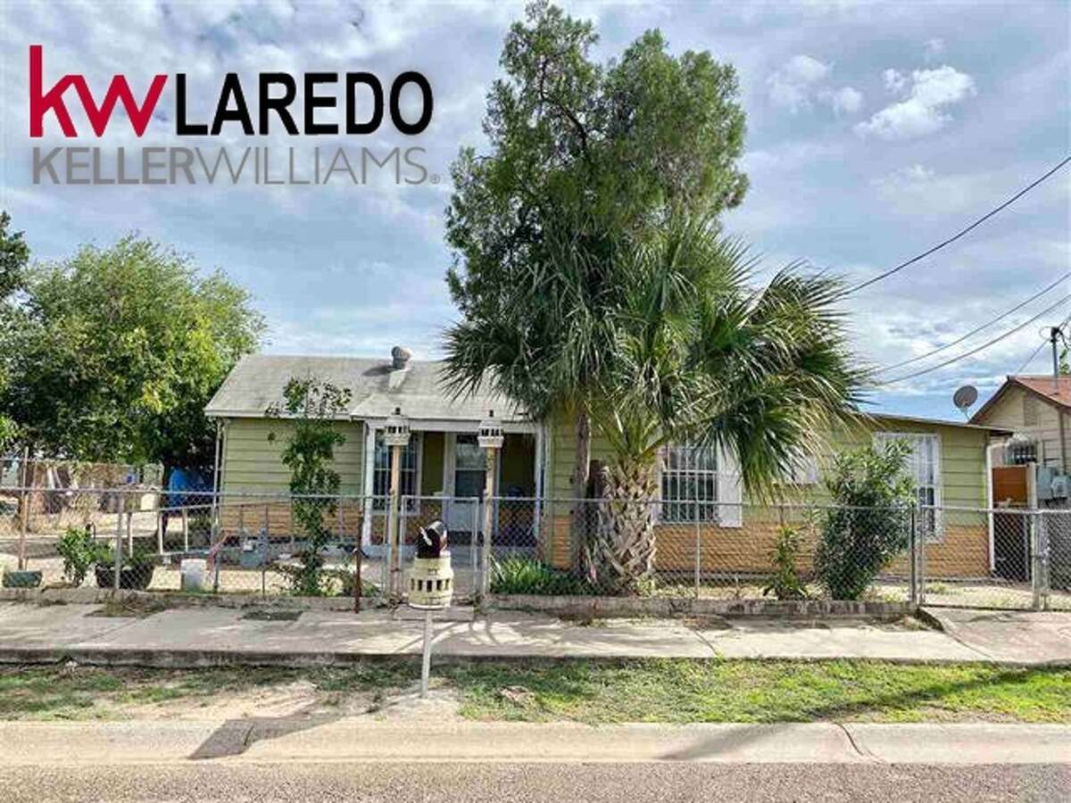 605 Garden St. Click the address for more information. BEDS: 3 BATHS: 2 Carport: Single Attached Subdivision : Western DivisionHOME FEATURES: Burglar Bars, Ceiling Fan(s)AMENITIES: Large Master Bedroom, Walk-In Closet, Washer & Dryer Hookups Erica Reyna : (956)333-1049 | Keller Williams Laredo | EricaReyna@kw.com