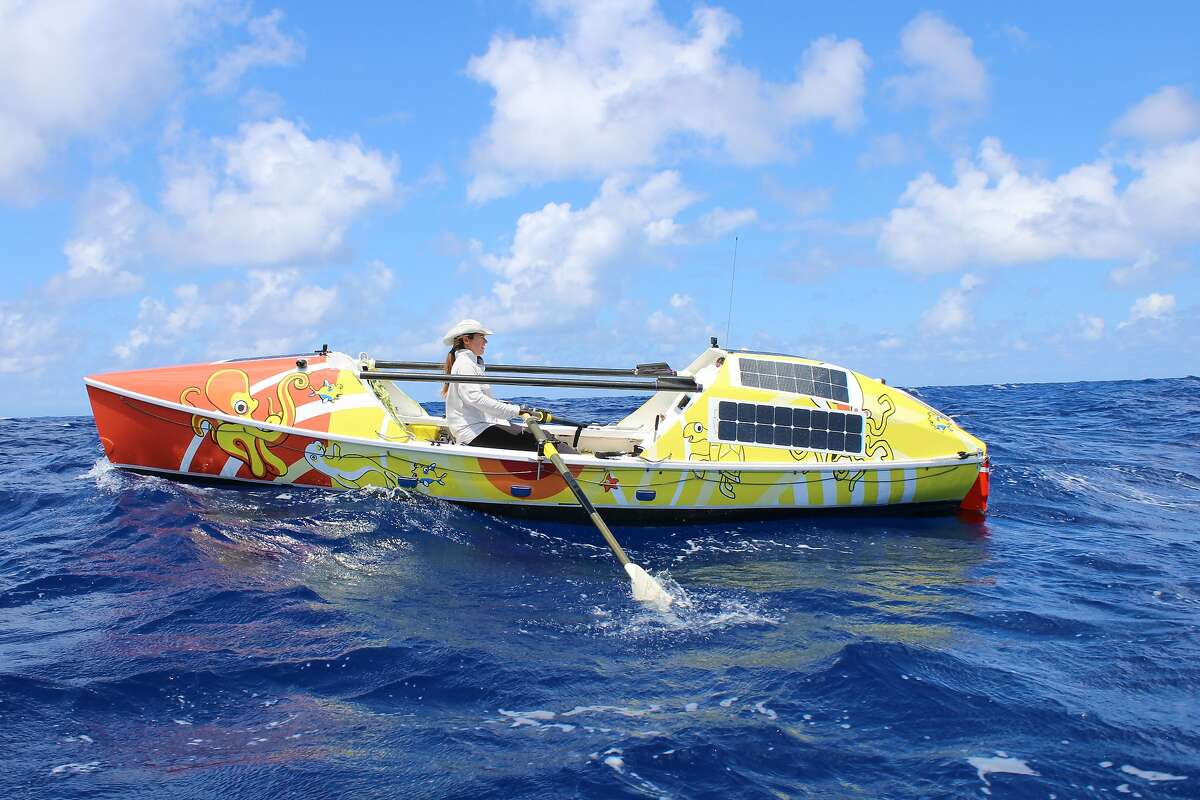 Lia Ditton nears the Hawaiian islands in her rowboat in early September.