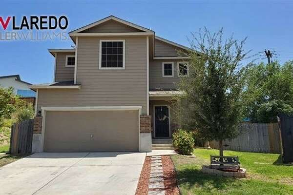 5521 Marlin Dr. Click the address for more information. BEDS: 4BATHS: 2 Type: Single Family Residential Garage: Double Attached Subdivision: Las Ventanas AMENITIES: Large Master Bedroom, Water Softener, Washer & Dryer Hookups Erica Reyna : (956)333-1049 | Keller Williams Laredo | EricaReyna@kw.com