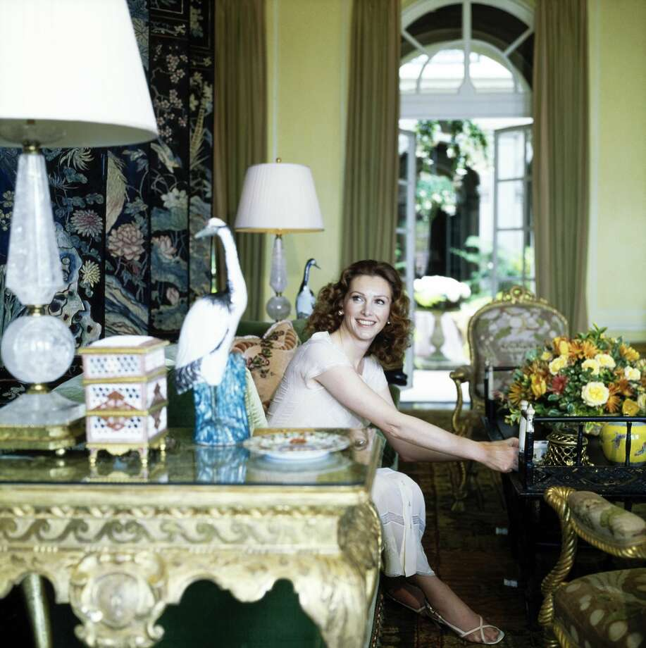 Ann Getty sitting in the living room of her San Francisco home, in 1977. Photo: Horst P. Horst/Conde Nast Via Getty Images / The Conde Nast Publications