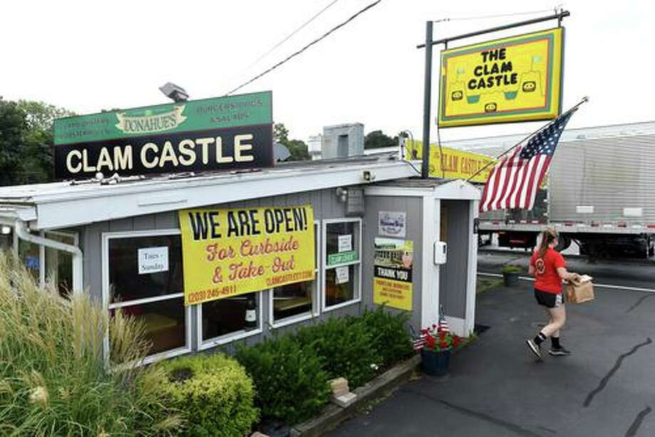 The Clam Castle on the Post Road in Madison on September 11, 2020. Photo: Arnold Gold / Hearst Connecticut Media / New Haven Register