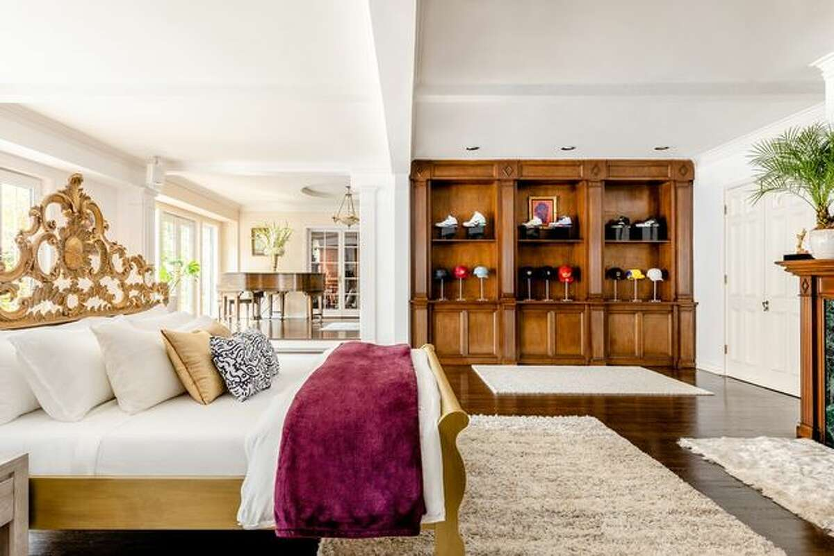 Gaze at Will Smith's way-cool kicks and lids from the king-size bed. And if it's celebrity residents you seek, both neighborhoods sport multimillion-dollar mansions and can point to many famous celebs as current and past residents.