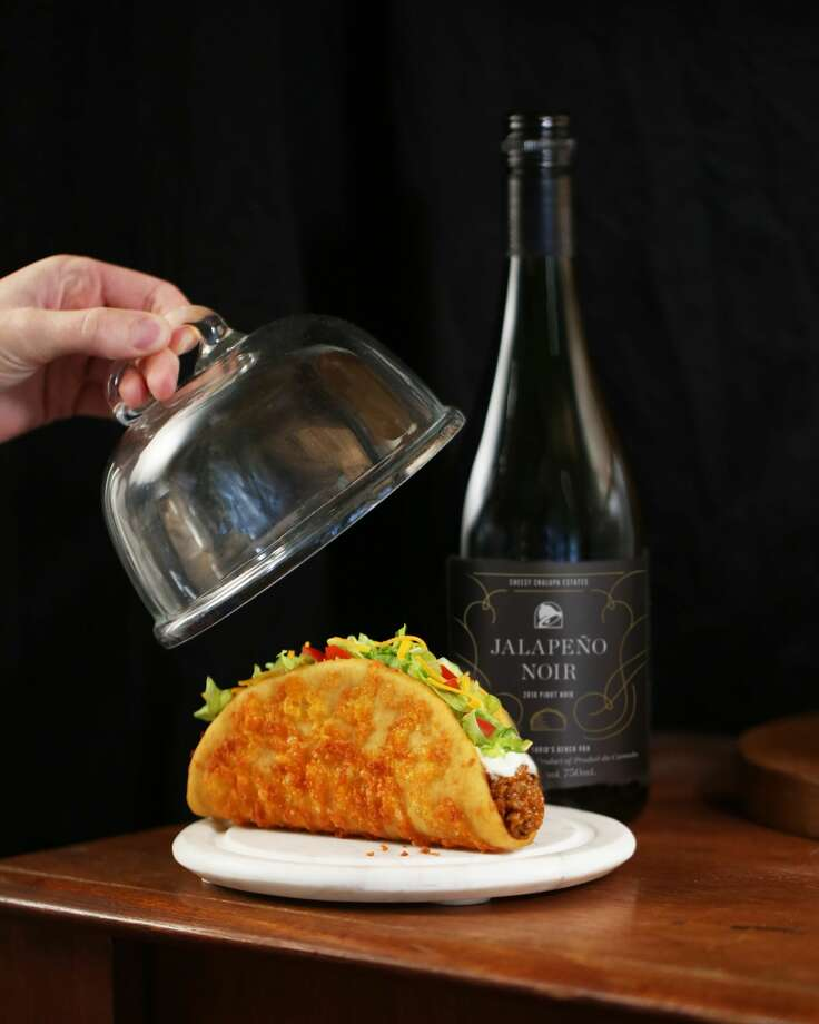"Never say that Taco Bell doesn't think ""outside of the box."" Just after they took their beloved their Mexican pizza off their menu, now Taco Bell is rolling out its custom Jalapeño Noir wine.