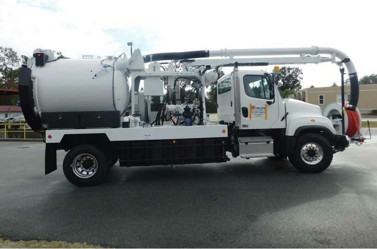 Bellaire approved the purchase of a 2020 Freightliner 114SD TRA with Vac-Con Model 250HN/1000 from Houston Freightliner