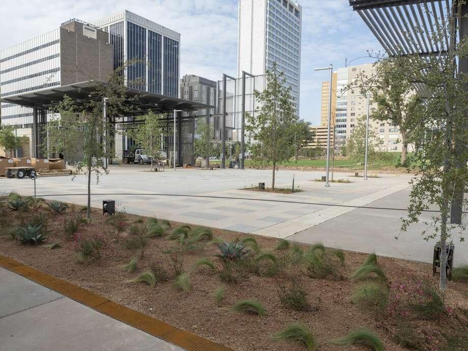 Work continues 09/15/2020 around the rebuilt Centennial Plaza. Tim Fischer/Reporter-Telegram Photo: Tim Fischer/Midland Reporter-Telegram
