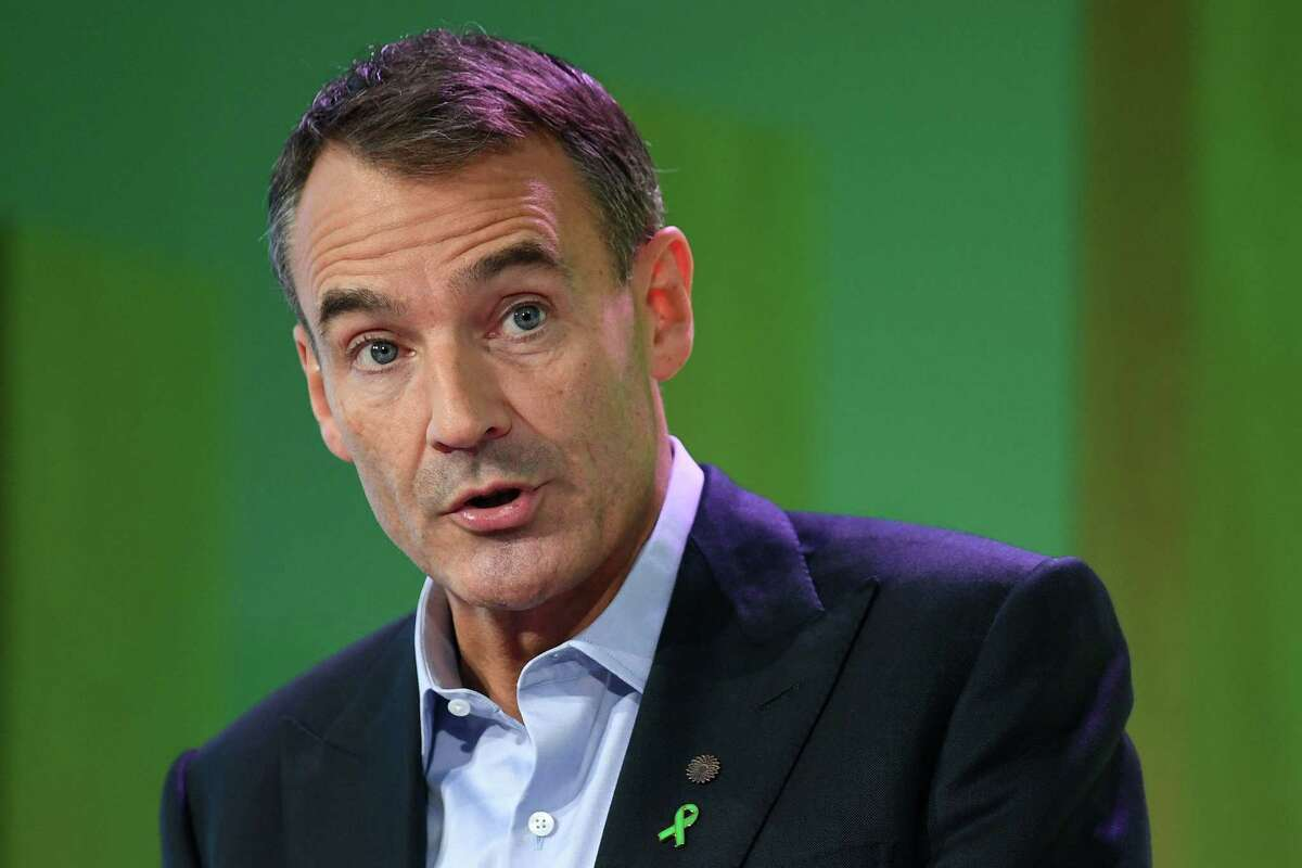 BP CEO Bernard Looney speaks during an event in London. The British oil giant BP, which seeks to green its activities, announced Thursday, September 10, a move into wind energy at sea, via a partnership with the Norwegian group Equinor in the United States.