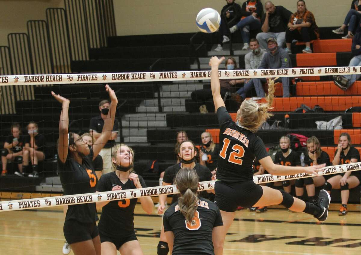 The Ubly varsity volleyball team traveled to Harbor Beach on Tuesday evening. The Bearcats swept the Pirates, 25-14, 25-16, 25-12.
