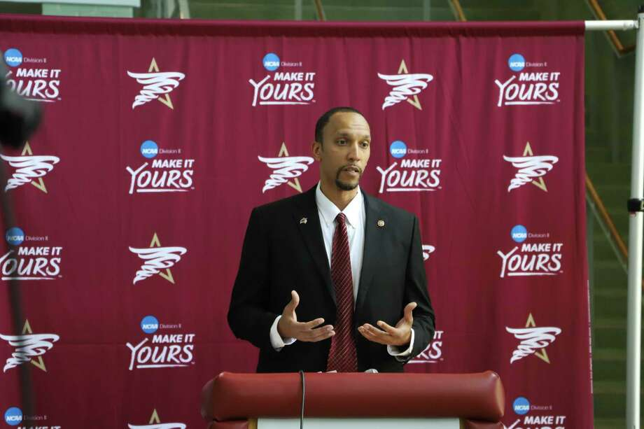 Texas A&M International head coach Rodney McConnell feels Division II should try bubbles and attempt to replicate whatever Division I does with its college basketball season. Photo: Courtesy Of TAMIU Athletics