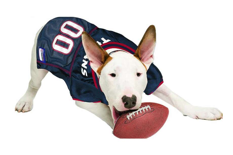 Texans dog jerseys are discounted at Chewy.com. Photo: Pets First, Chewy.com