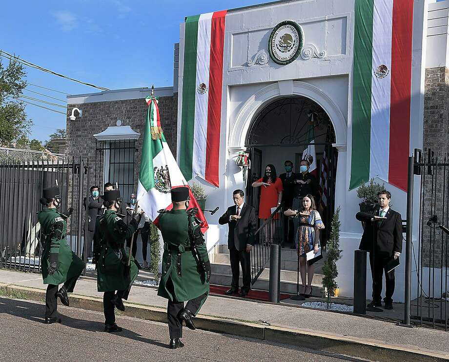 Mexican Consul General at the Mexican Consulate in Laredo, Juan Carlos Mendoza Sanchez celebrated the traditional Grito to mark the 210th anniversary of Mexico's Independence on Tuesday, Sept. 15. Photo: Cuate Santos / Laredo Morning Times / Laredo Morning Times