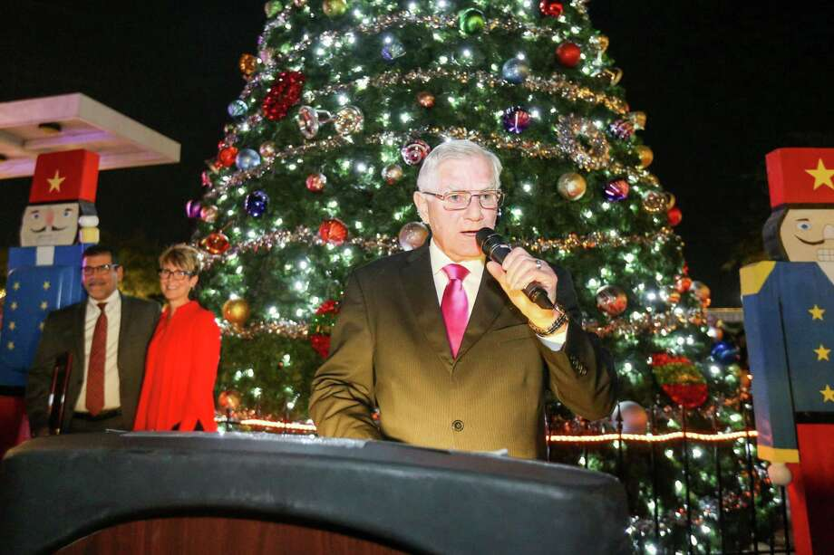 Mayor Toby Powell speaks during the Tree Lighting Ceremony on Tuesday, Nov. 28, 2017, at Heritage Place in downtown Conroe. The ceremony was followed by an expanded evening of Christmas festivities in the new Christmas on Main Street event. Mayor Powell champion the downtown Christmas celebration and is now being remembered for his dedication to Conroe after his passing on Saturday. Photo: Michael Minasi, Staff Photographer / Houston Chronicle / © 2017 Houston Chronicle