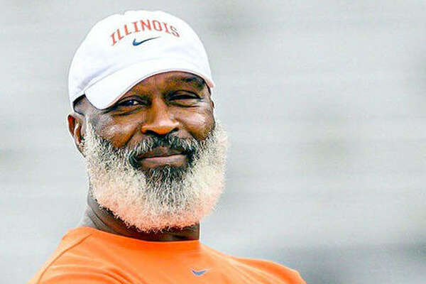 Illinois football coach Lovie Smith's team, along with the rest of the Big Ten, will begin a shortened season the weekend of Oct. 23-24.