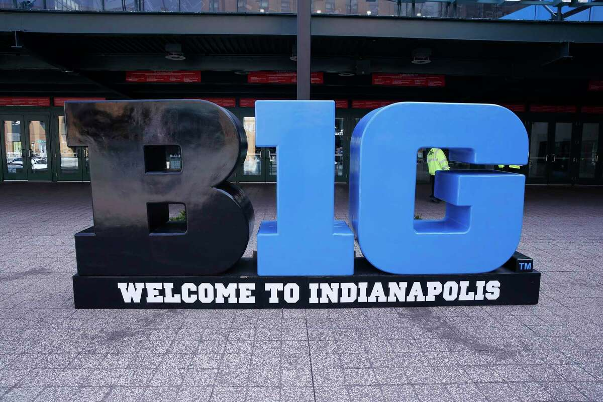 INDIANAPOLIS, IN - MARCH 12: The Big Ten Conference Logo out side of Bankers Life Field House with no fans around after the Big Ten Conference cancelled the mens Big Ten Tournament due to concerns over the Coronavirus (COVID-19), on March 12, 2020 at Bankers Life Fieldhouse in Indianapolis, IN. (Photo by Jeffrey Brown/Icon Sportswire via Getty Images)