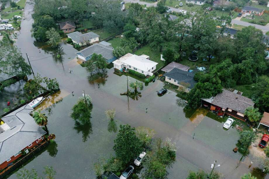 Neighborhoods in West Pensacola, Fla., are inundated on Wednesday following Hurricane Sally's arrival. Photo: Photo By Bryan Tarnowski For The Washington Post / For The Washington Post