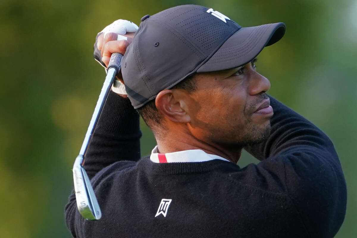 Tiger Woods watches his shot off the sixth tee during practice before the U.S. Open Championship golf tournament at Winged Foot Golf Club, Wednesday, Sept. 16, 2020, in Mamaroneck, N.Y. (AP Photo/John Minchillo)