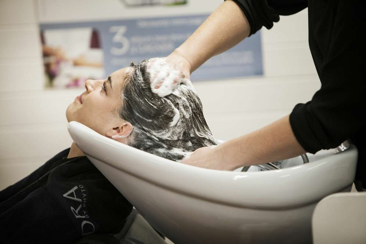 How much training is needed for shampooing? A proposed law in New York would require 500 hours of schooling before a person could provide the service in salons.