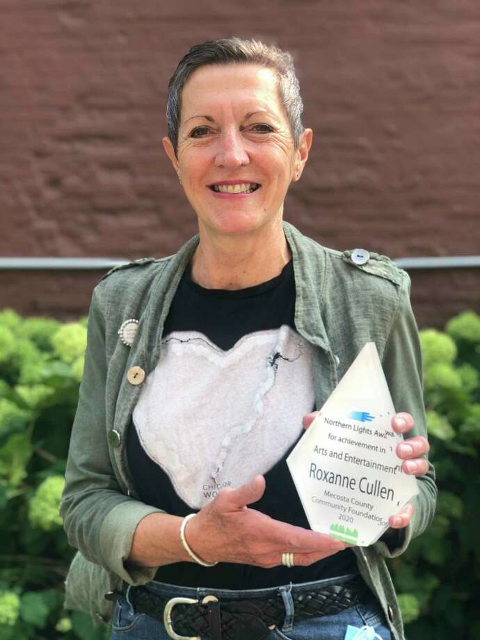 Roxanne Cullen received the Northern Lights Arts and Entertainment Award on Thursday for her commitment to bringing art to the community. (Courtesy photo)