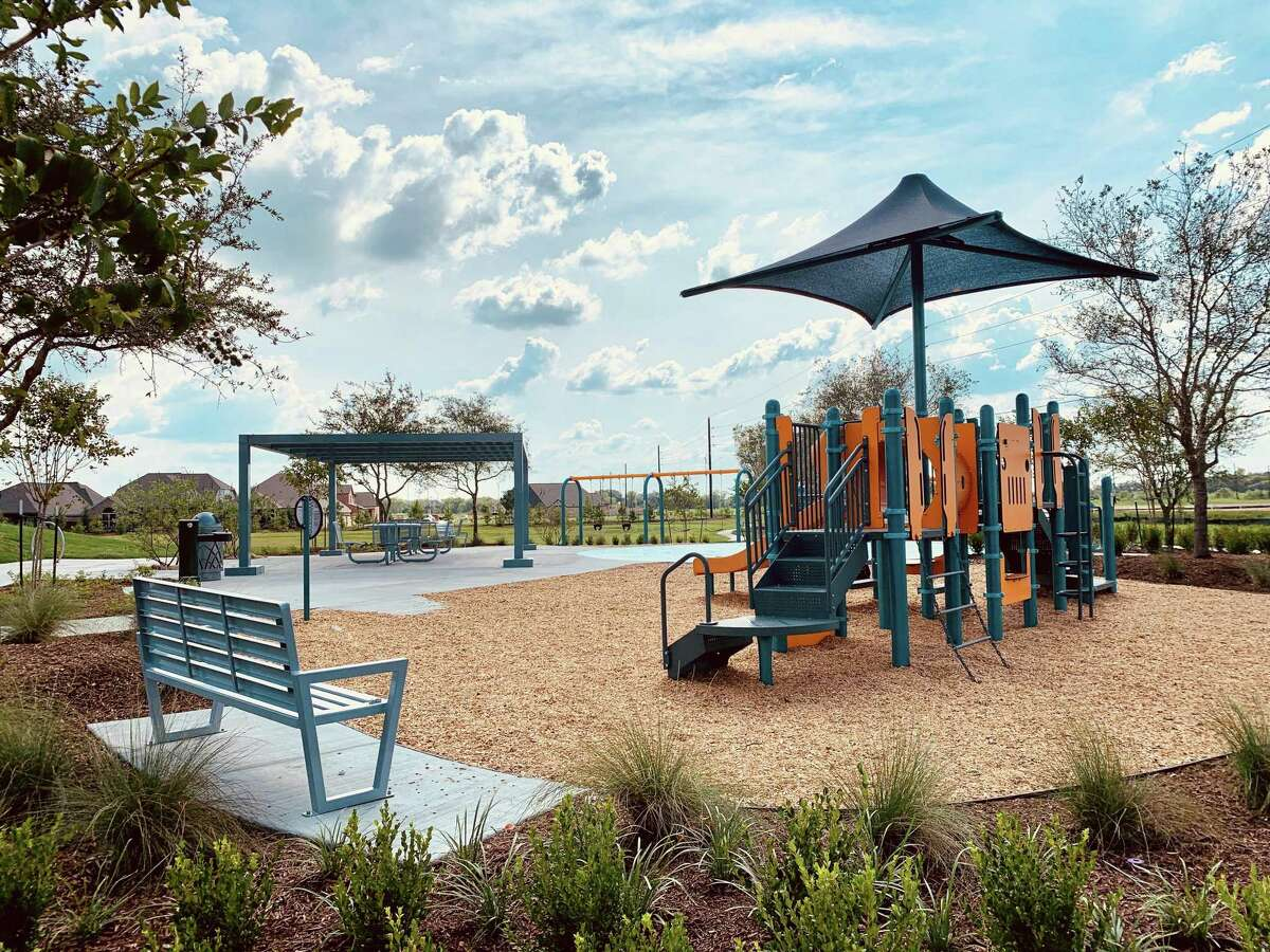 Meridiana's all-new Observation Park features a family playground, tennis court, trails and splash pad.