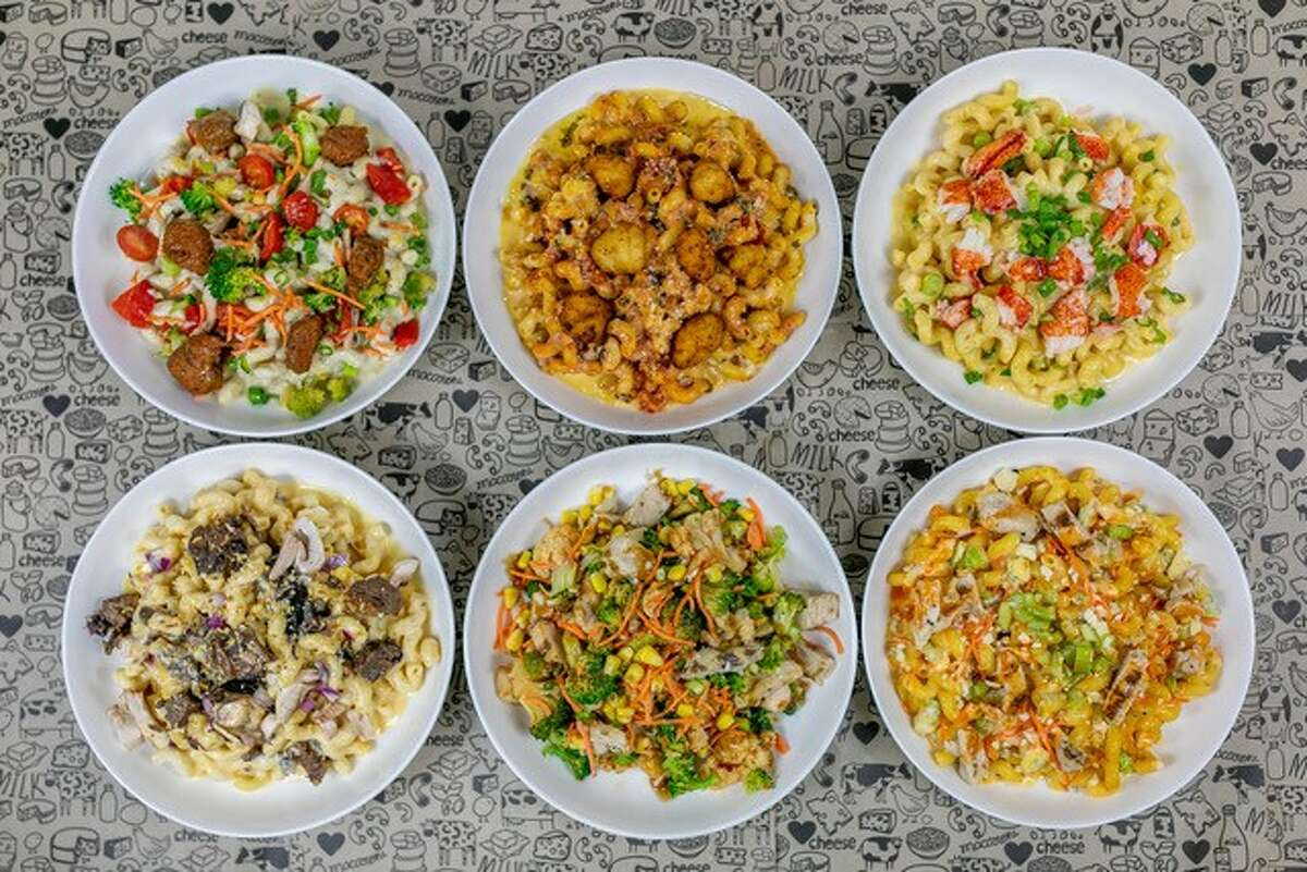 I Heart Mac & Cheese is known for custom, build-your-own macaroni and cheese bowls, grilled cheese sandwiches and salads. Guests select a pasta, bread, quinoa, broccoli, cauliflower or salad base along with several different proteins, vegetables and cheeses. Gluten-free options are also available.