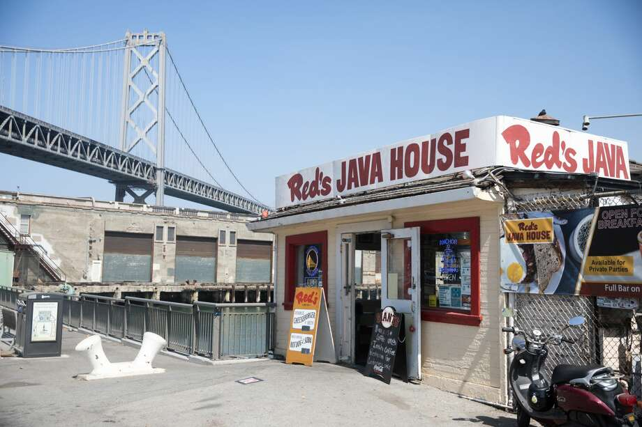 The exterior of Red's Java House on Pier 30-32 in San Francisco, California on Sept. 16, 2020. Photo: Douglas Zimmerman/SFGATE / SFGATE