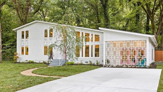 Midcentury Modern Renovation in Chattanooga Wows Fans Nationwide