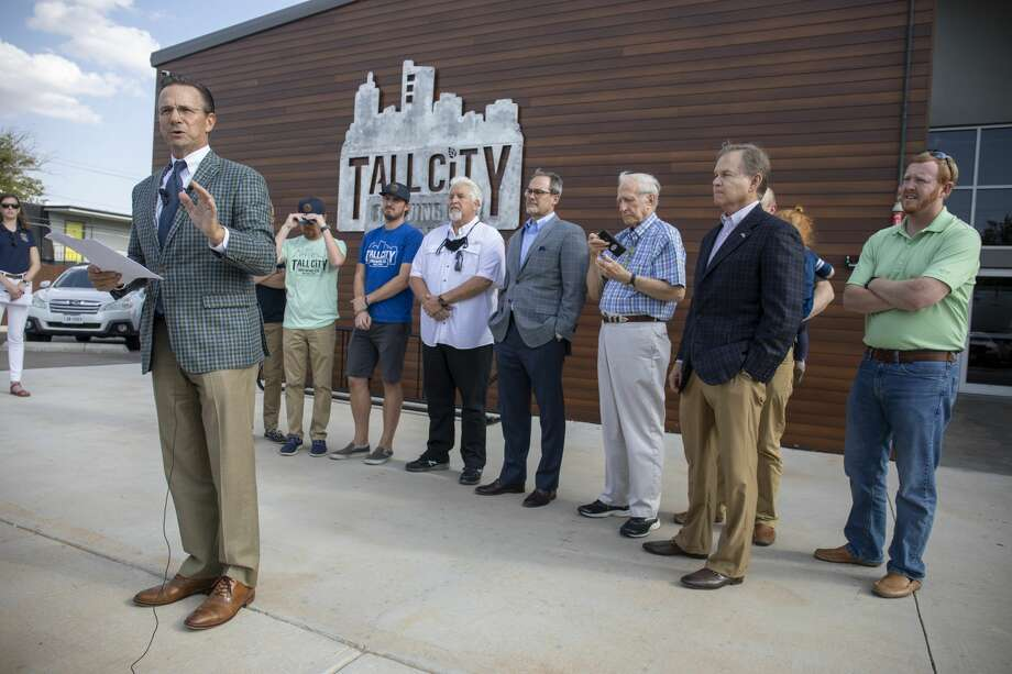 Mayor Patrick Payton addresses the press about his views on Governor Abbott's decision to not reopen bars Thursday, Sept. 17, 2020 at Tall City Brewing Co. Photo: Jacy Lewis/Reporter-Telegram / MRT