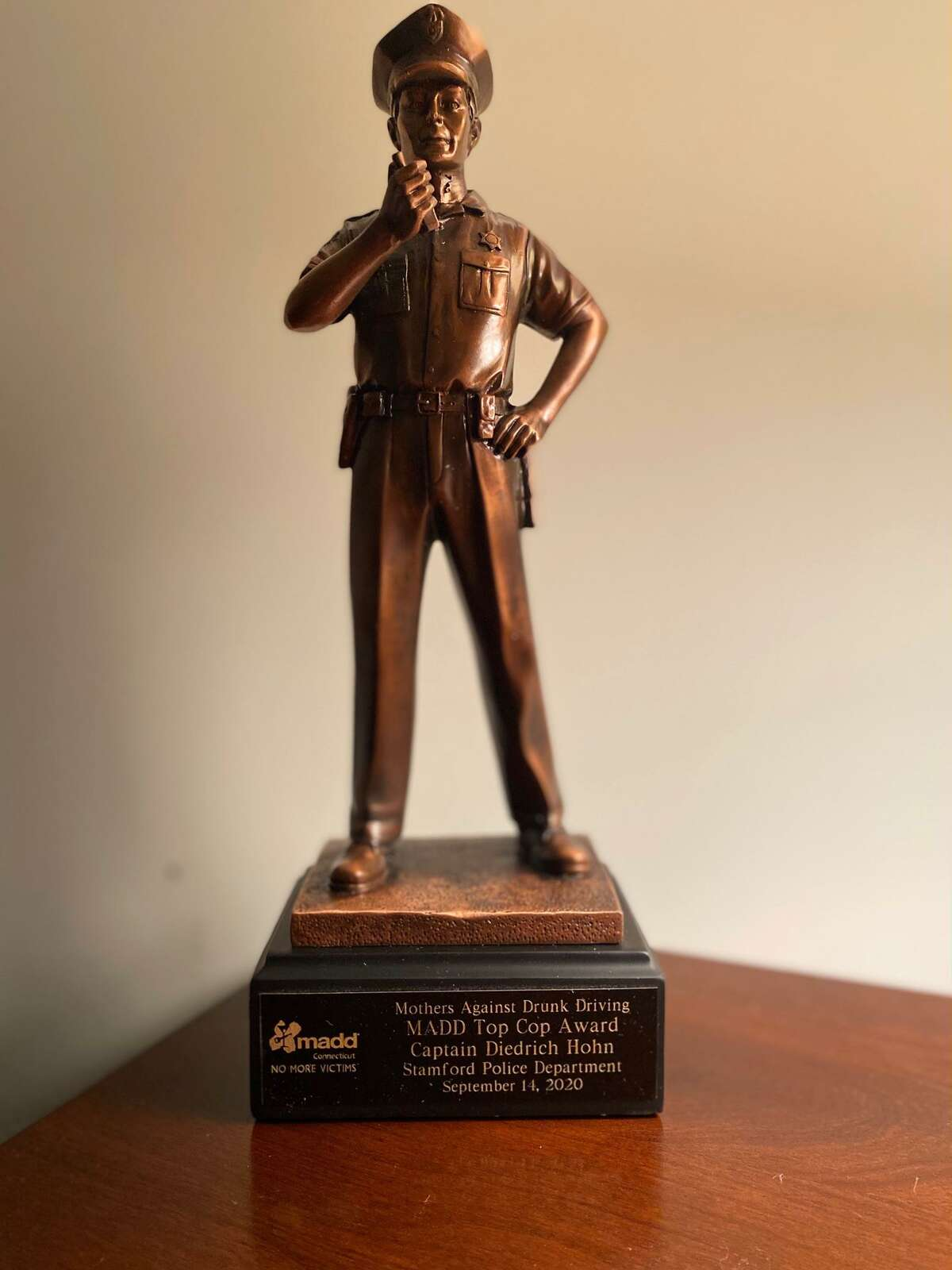 MADD's Top Cop award given to Stamford Capt. Diedrich Hohn on Monday night.