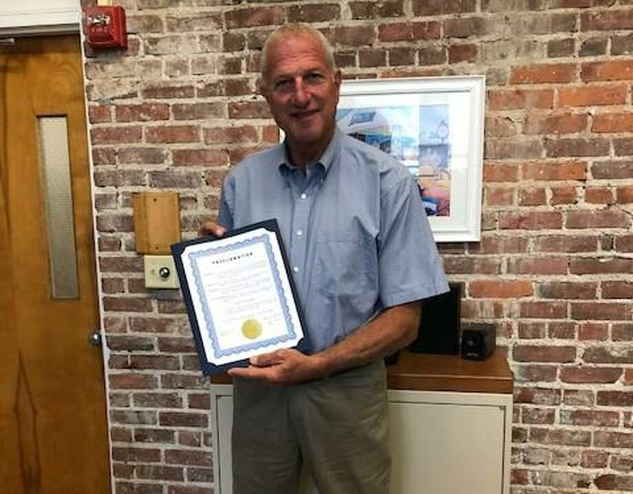 Mayor Mark Lauretti proclaimed Sept. 17-23 as Constitution Week. Photo: DAR / Contributed Photo / Connecticut Post