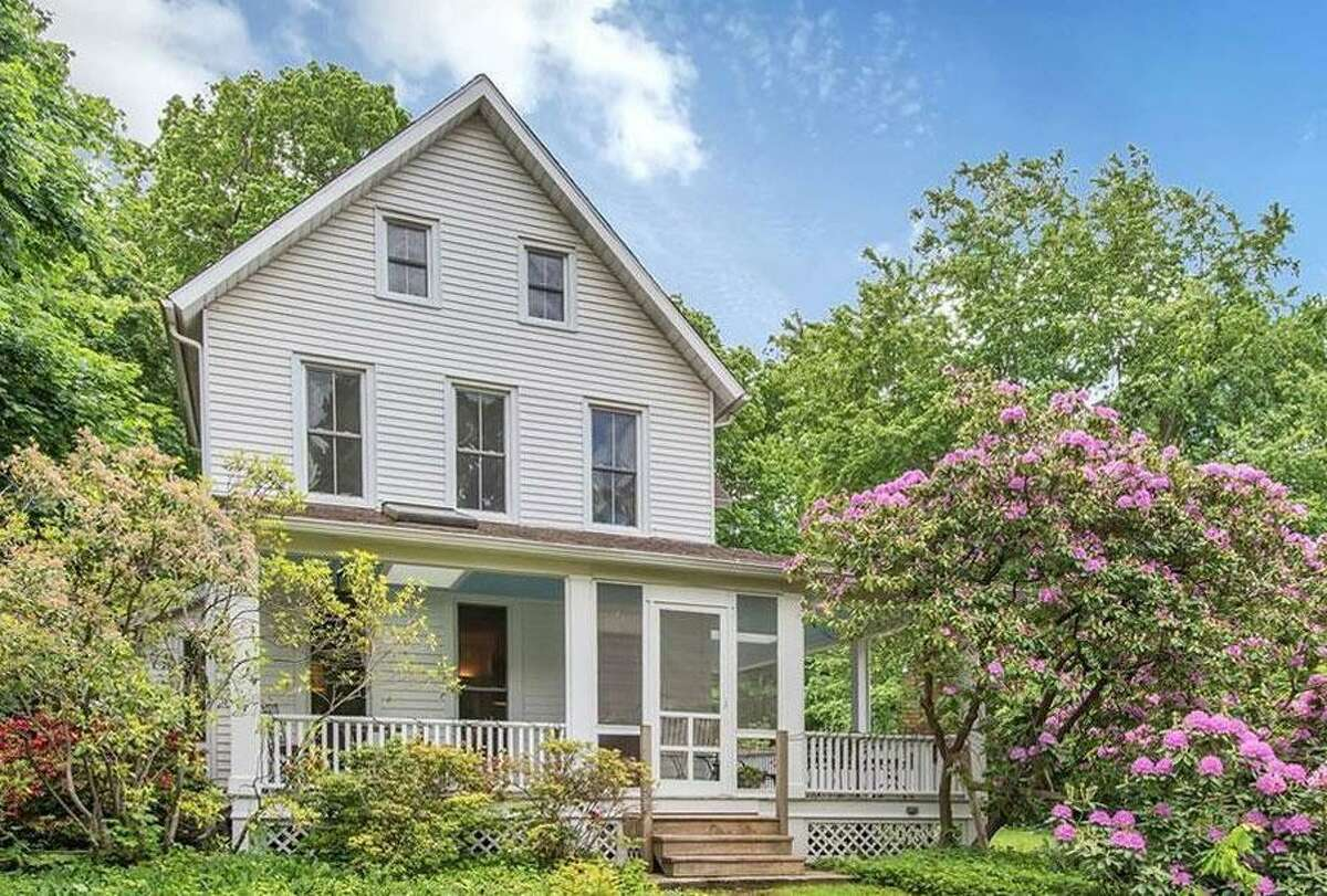 28 West Church Street: Kathleen G. Strickland to Marion G. Melton, $510,000.