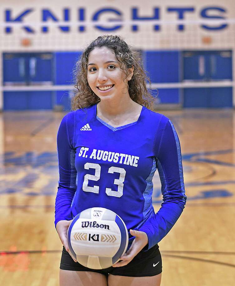 Kelly Samano had 15 kills in the season opener for St. Augustine. Photo: Cuate Santos / Laredo Morning Times / Laredo Morning Times