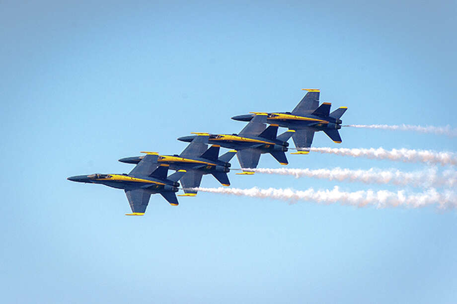 The Blue Angels flight demonstration squadron are perform. Photo: Yiming Chen/Getty Images / © 2015 Yiming Chen