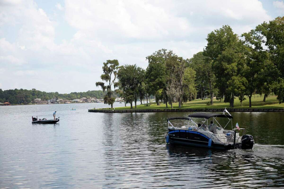 Boaters enjoy the waters of Lake Conroe near the Palms Marina, Monday, Aug. 24, 2020.