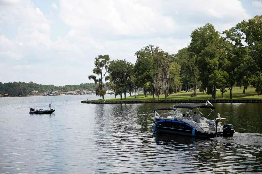 Boaters enjoy the waters of Lake Conroe near the Palms Marina, Monday, Aug. 24, 2020. Photo: Gustavo Huerta, Houston Chronicle / Staff Photographer / 2020 © Houston Chronicle