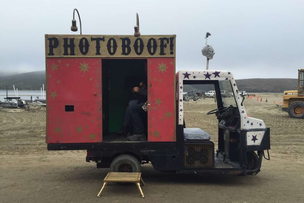 A mobile photobooth created by Alec Bennett.