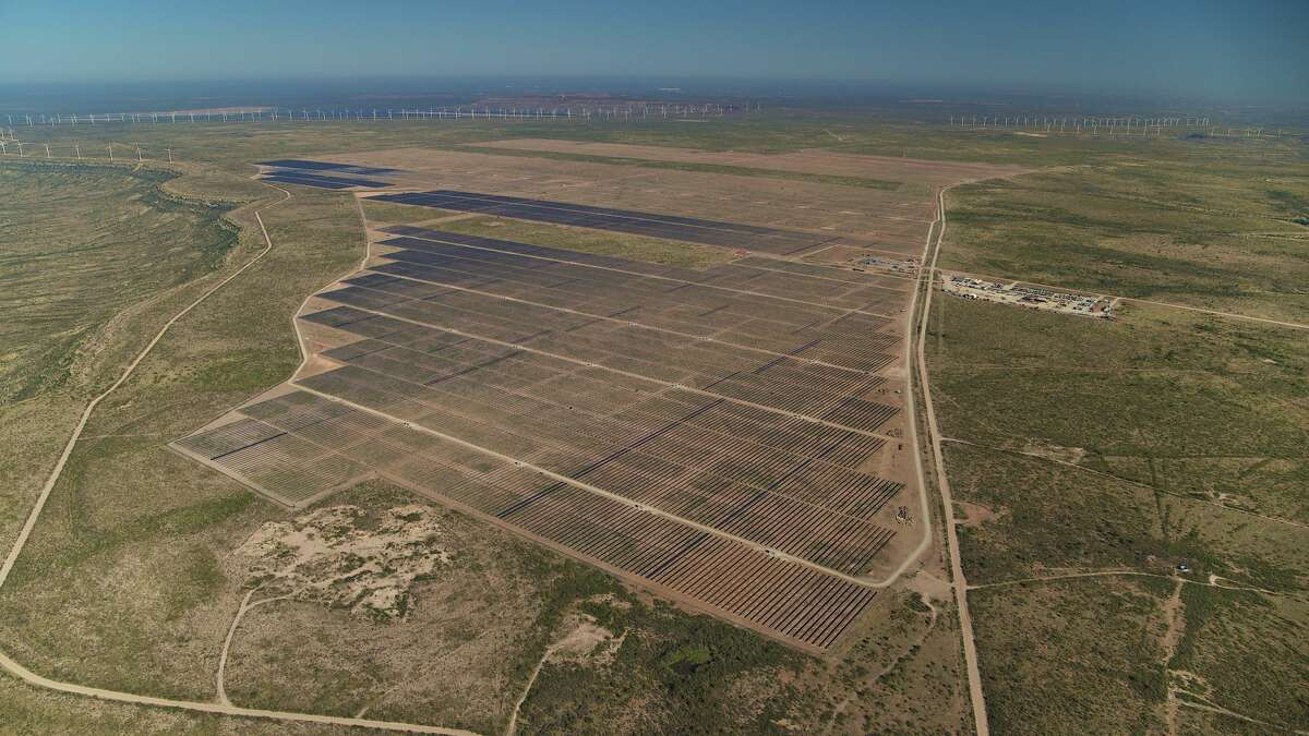 Enel Green Power has completed the second phase of its Roadrunner solar plant in Upton County, providing 1,200 gigawatt hours annually of electricity to companies such as Mondelez and Clorox and into the Texas electric grid.