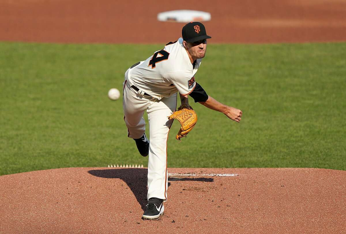 SAN FRANCISCO, CALIFORNIA - SEPTEMBER 07: Kevin Gausman #34 of the San Francisco Giants pitches against the Arizona Diamondbacks in the top of the first inning at Oracle Park on September 07, 2020 in San Francisco, California. (Photo by Thearon W. Henderson/Getty Images)