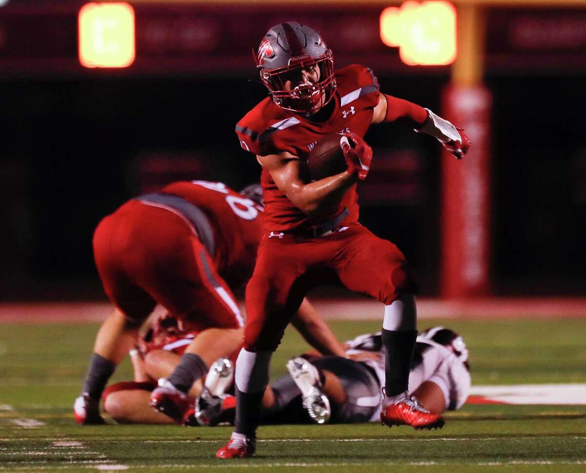 Splendora running back Zane Obregon (22) is back for his senior season after rushing for nearly 1,700 yards as a junior.