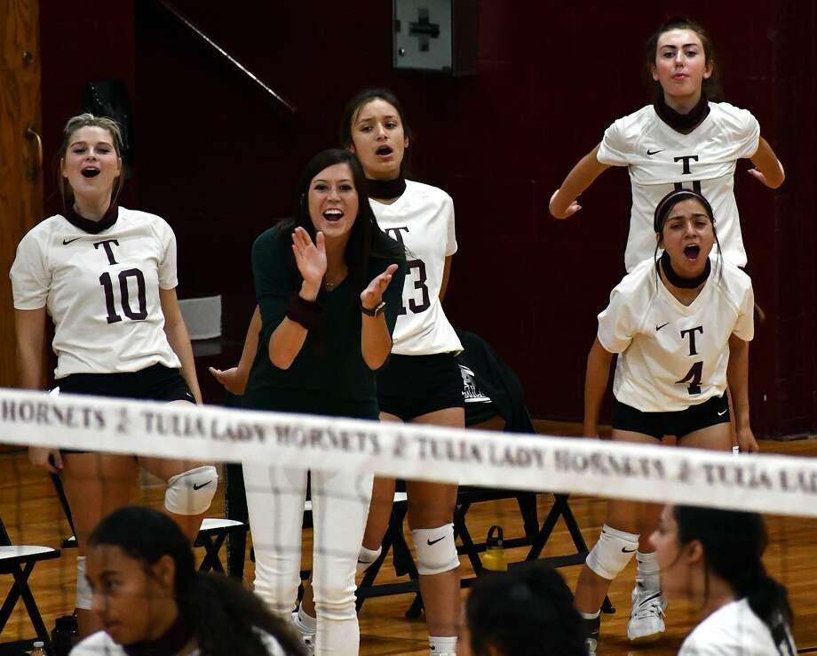 Tulia hosted Plainview in a non-district high school volleyball game on Saturday, Sept. 19, 2020. Plainview came away with a 3-2 win. Photo: Nathan Giese/Planview Herald