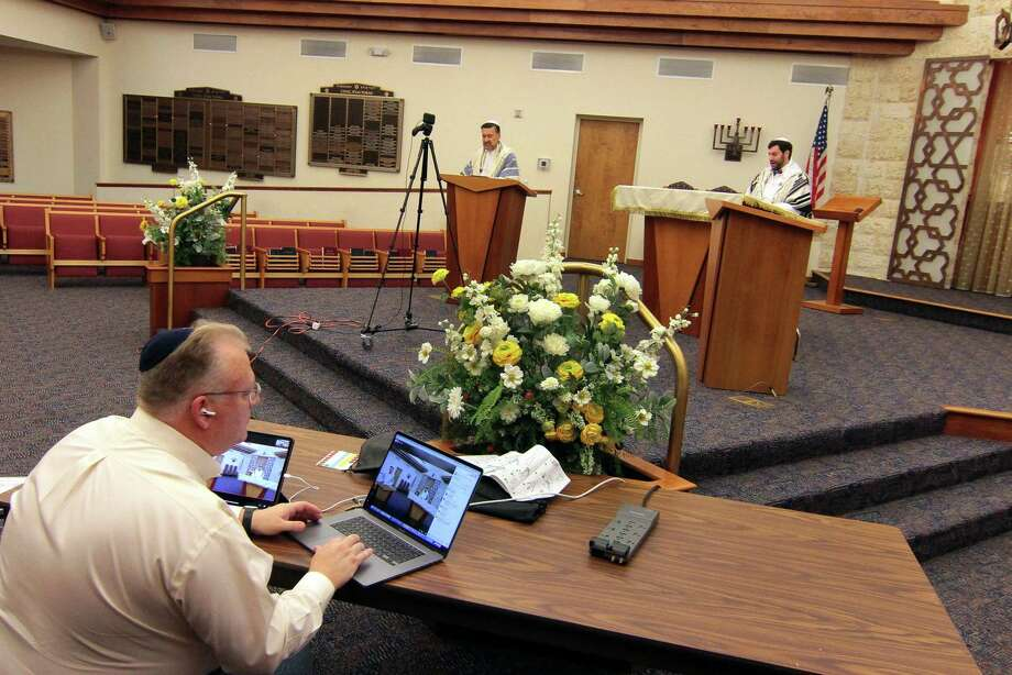 Because of the ongoing coronavirus pandemic, Fred Knopf runs Congregation B'nai Torah's Rosh Hashanah holiday service via livestream in Trumbull, Conn., on Friday Sept. 18, 2020. Photo: Christian Abraham / Hearst Connecticut Media / Connecticut Post